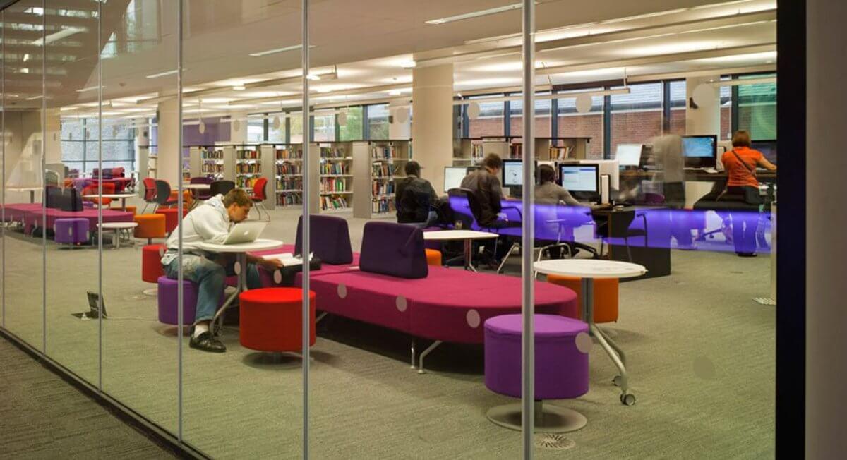 Štúdium v Anglicku, ako ušetriť, knižnica