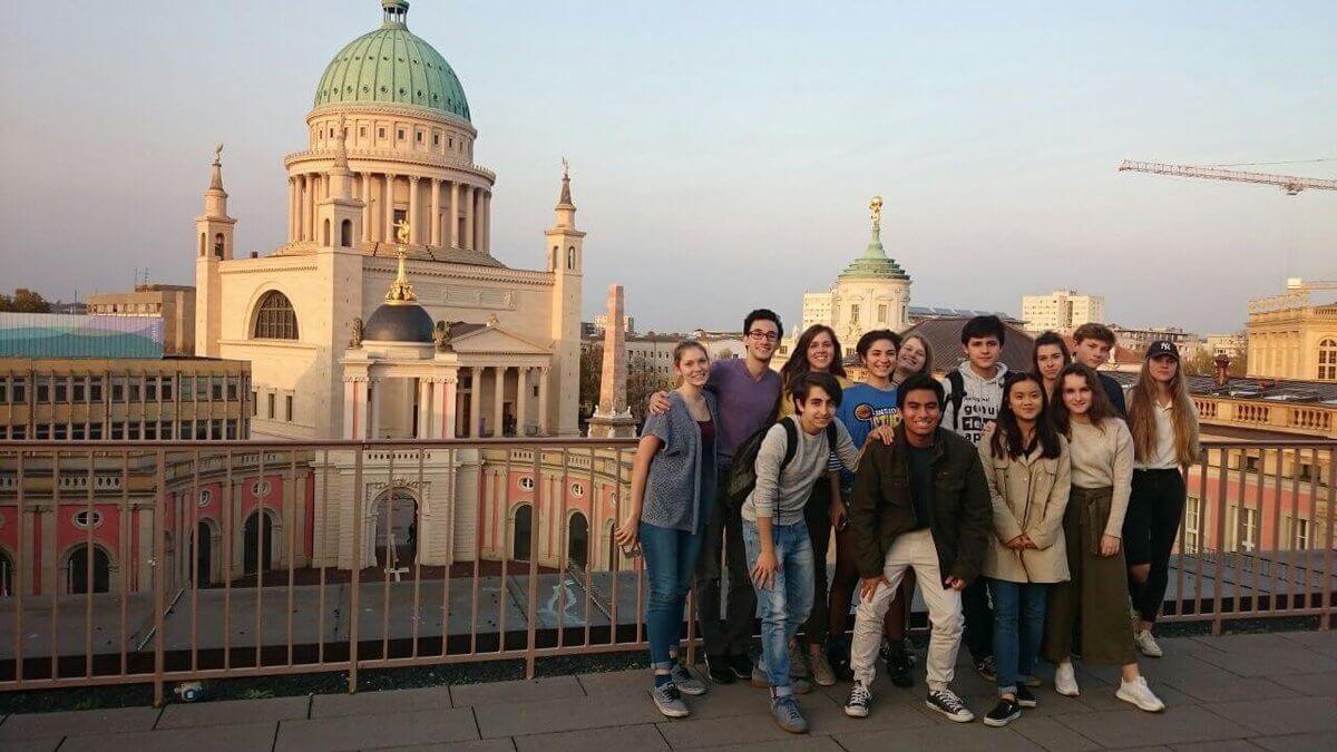 Nemecko, stredná škola: vyučovanie-cestovanie