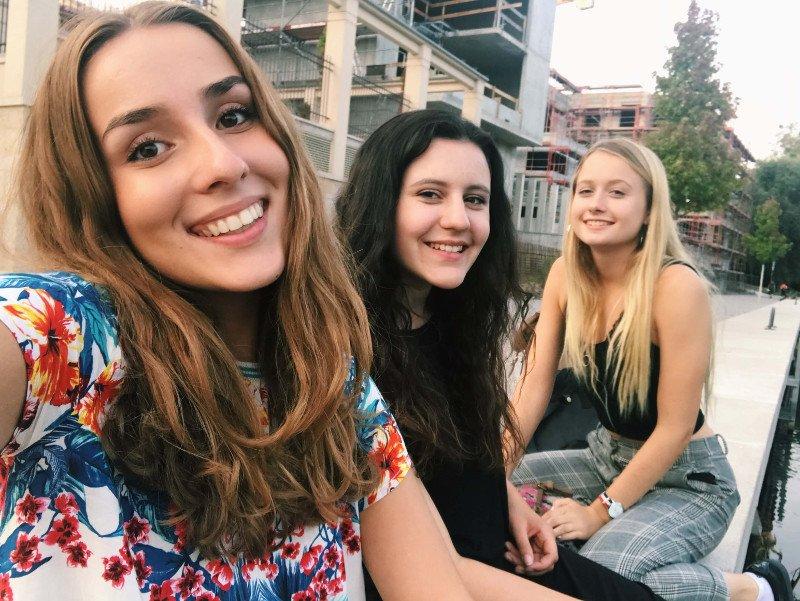 S úsmevom to ide vždy ľahšie, stredná škola v Nemecku
