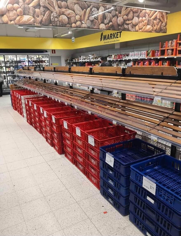 Prázdne police v obchodoch nájdeš aj vo Fínsku