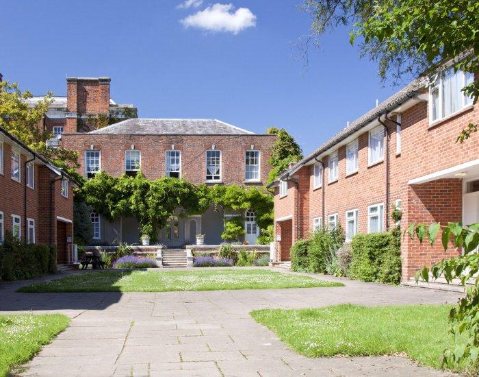 Ardmore Maidenhead pri Londýne (9 – 17 rokov)