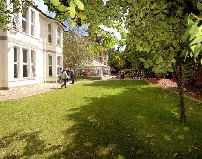 Cavendish School of English (10 – 17 rokov)