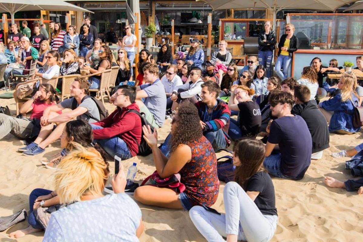 Štúdium v Holandsku, Úvodný týždeň na pláži