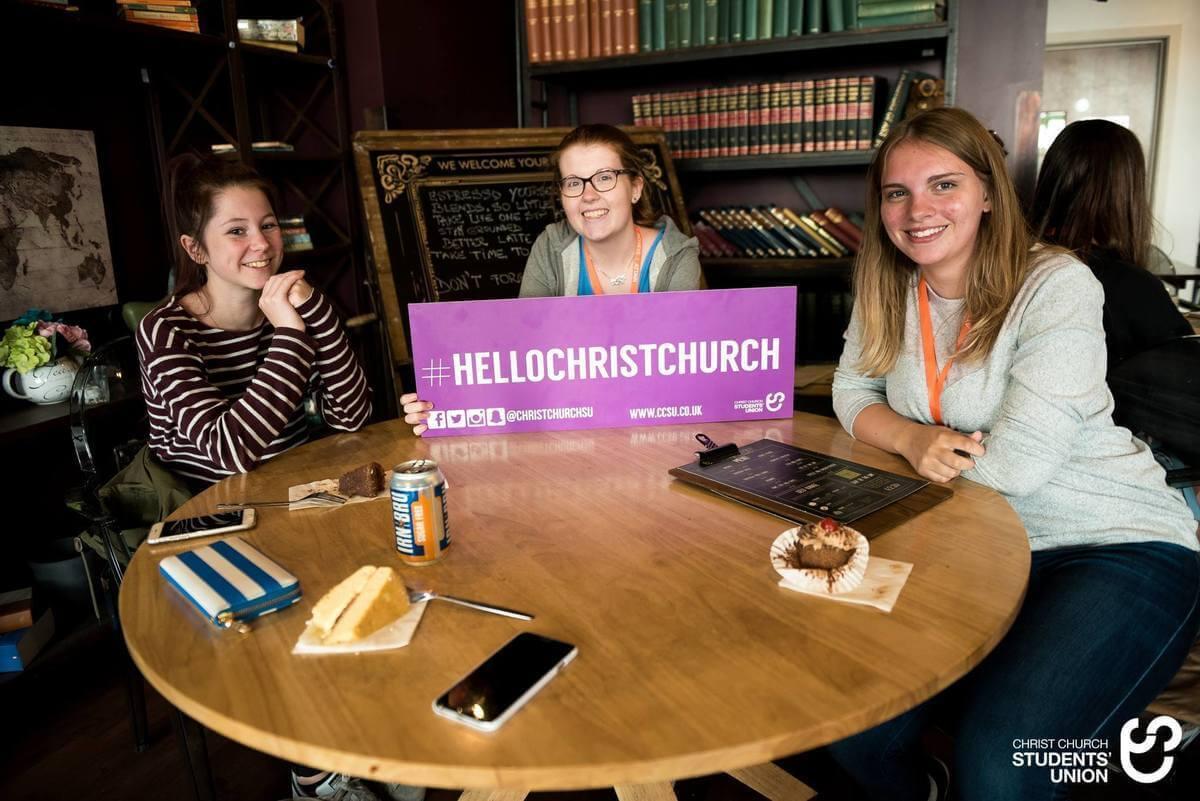 Štúdium v Anglicku - Tea party v Canterbury