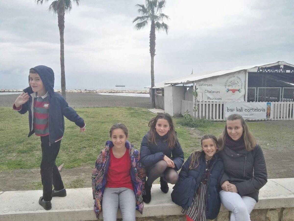Stredná škola, výmenný pobyt v Španielsku, Lucia s deťmi