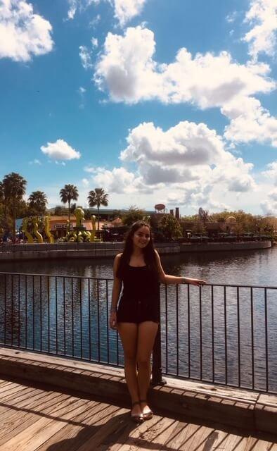 Prázdiny na Floride, stredná škola v USA