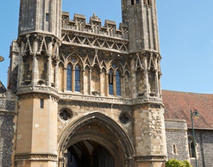 St. Giles Canterbury (8 – 17 rokov)